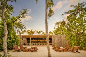 """""""Modernismo esotico"""" alle Maldive: il primo hotel di Marcio Kogan"""
