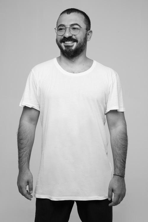01 Khaled El Mays_Portrait_credits Tarek Moukaddem