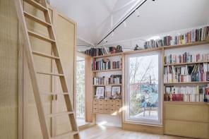 La mini-casa d'artista su due livelli