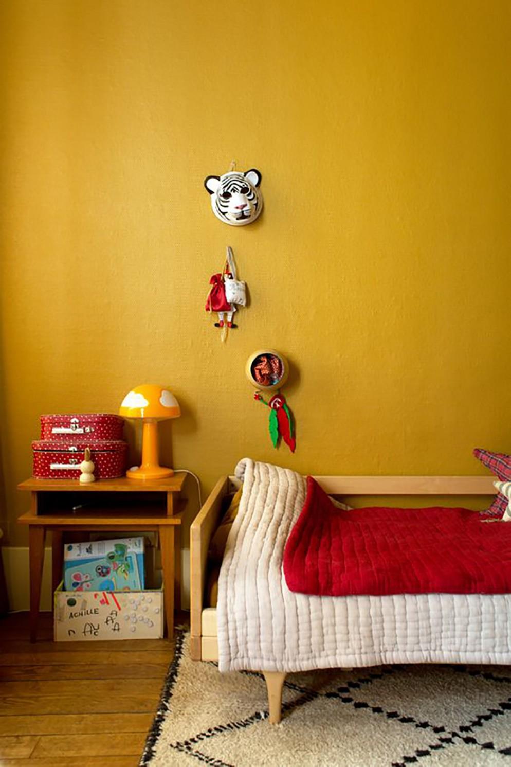 10color-senape-pareti_living-correre