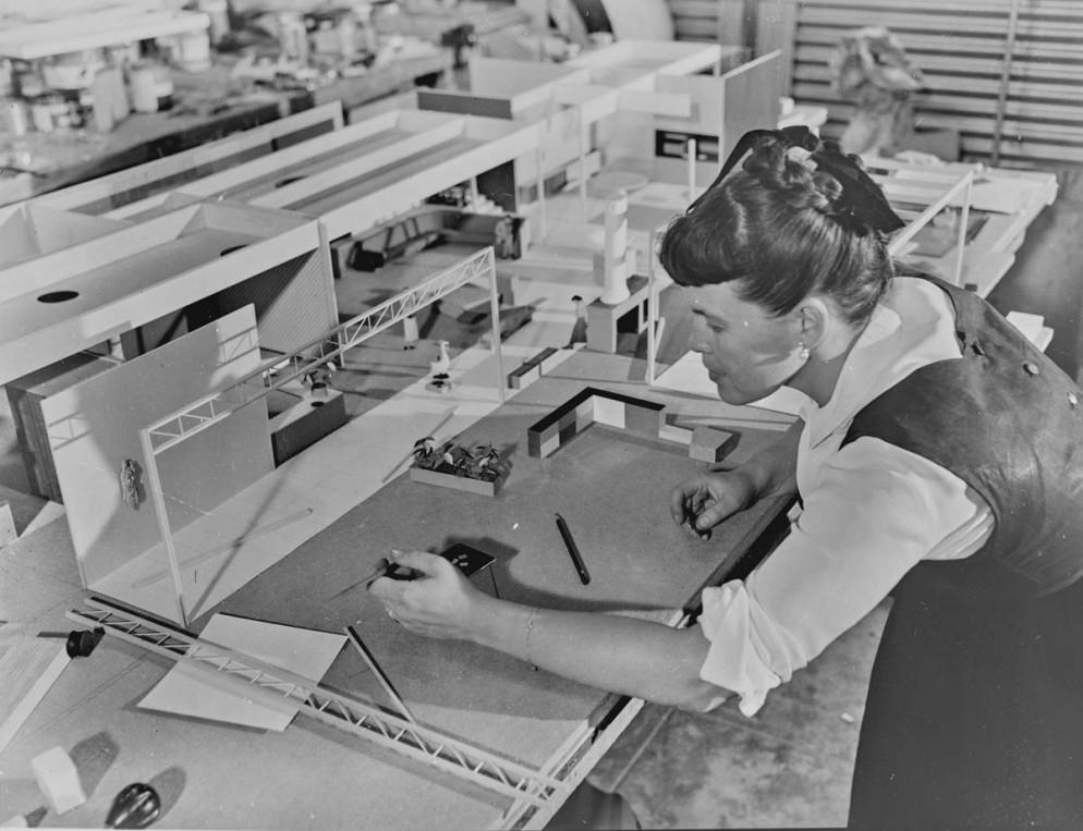 24_VDM-Women-In-Design-Ray-Eames-1950