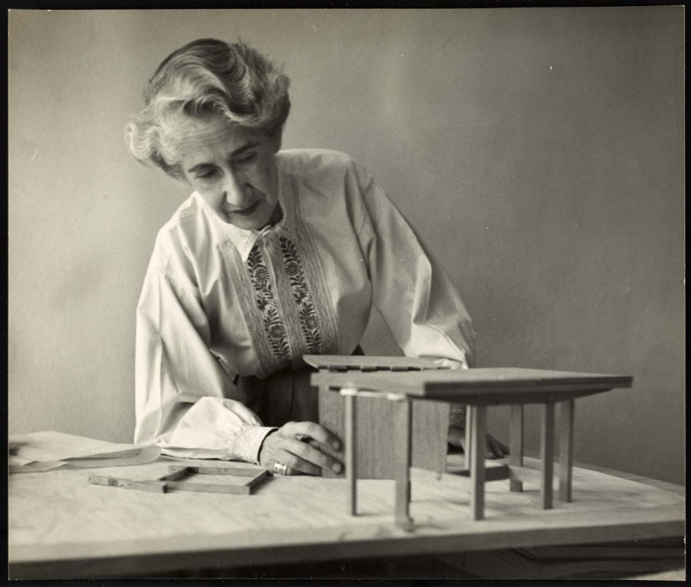 26_VDM-Women-In-Design-Clara-Porset
