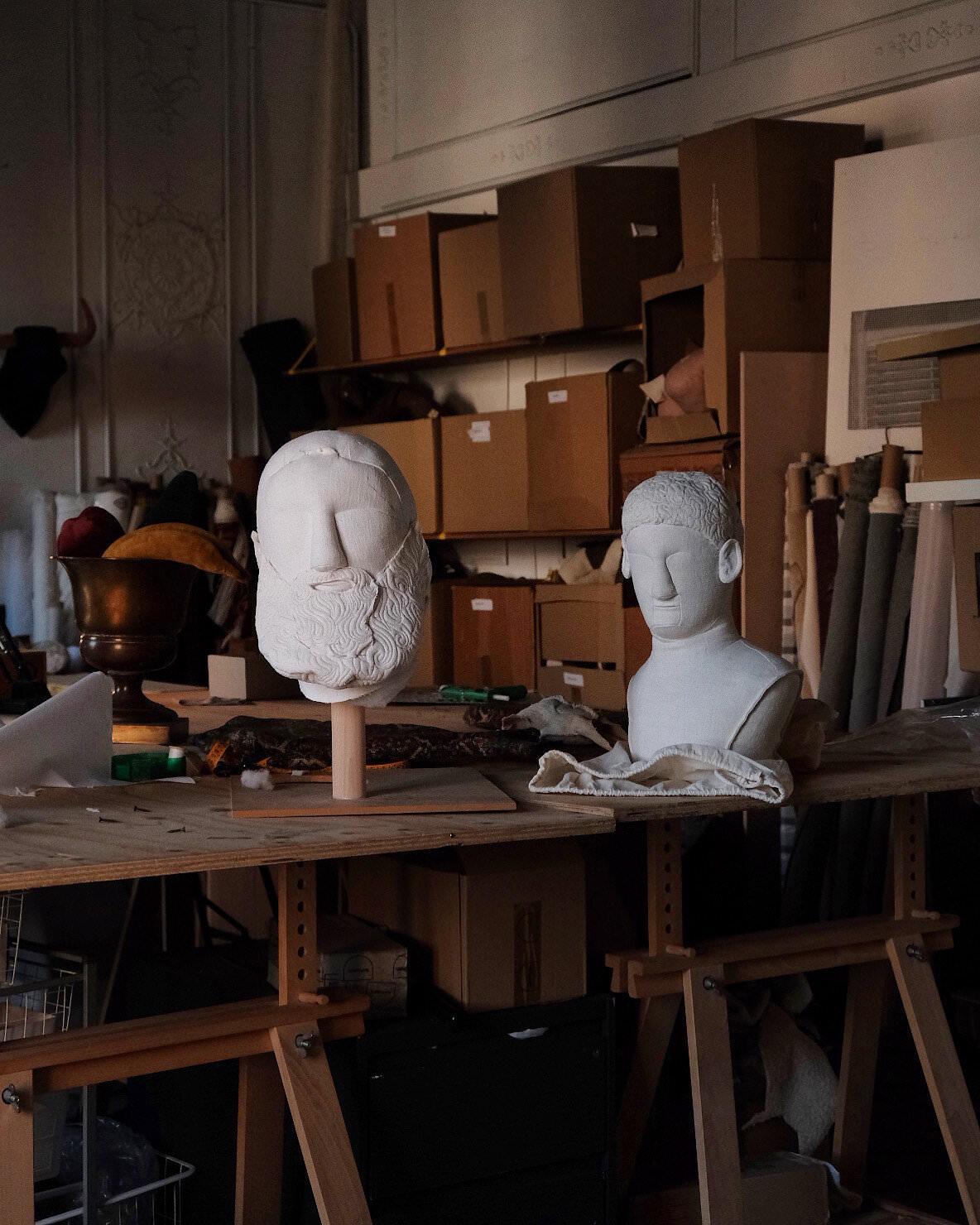 Sergio-Roger-Textile-Ruins-Soft-Sculpture-living-corriere