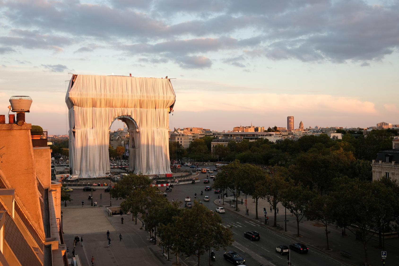 arc-de-triomphe-christo-parigi-living-corriere