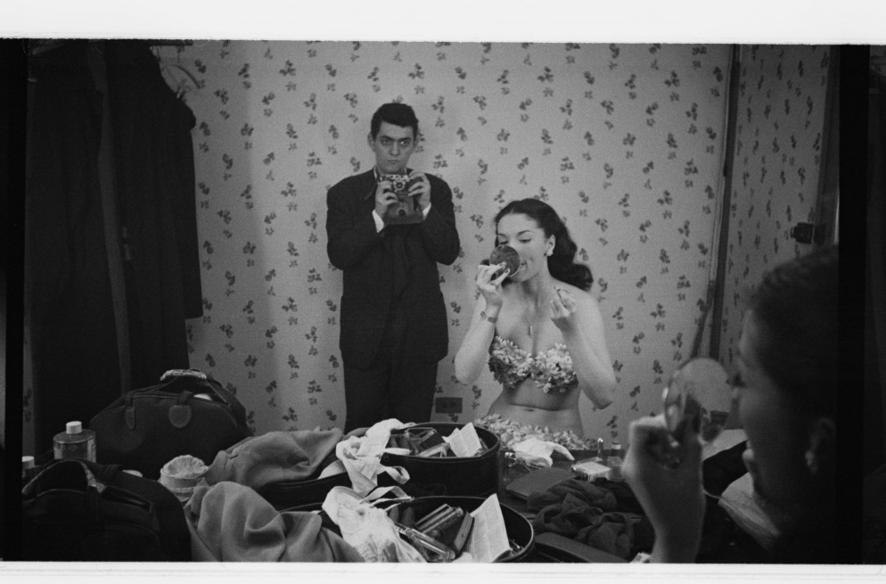 Rosemary Williams, Show Girl [Stanley Kubrick taking a picture o