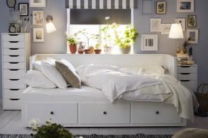 Ospiti e salotti felici con i divani letto IKEA