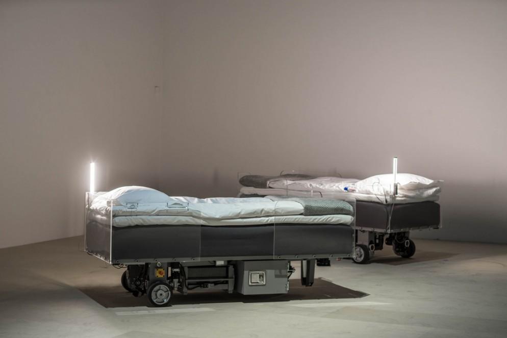 11 Carsten HollerTwo Roaming Beds_Foto Per Kristinsen